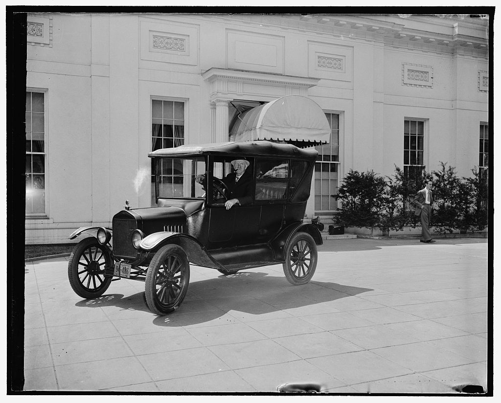 Henry Ford with Model T Ford.  Image source: Library of Congress